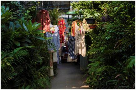India – Virtual 'Forbidden Garden' for SS17 collection by péroat AIFW
