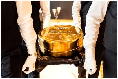 UAE/Dubai– Tin of Caviar gets AmStur & Burj Al Arab Jumeirah into Guinness World Records