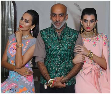 India / France – Zoya at Paris Fashion Week SS-2018 with Manish Arora