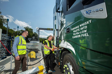 Scotland – Glenfiddich fuels transport fleet with biogas made from its whisky residues